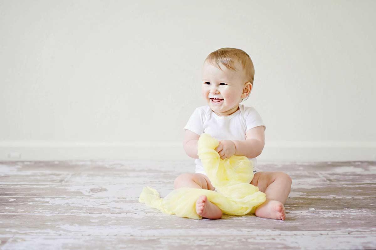 Det kræver en god baby fotograf at lave smukke babybilleder Århus