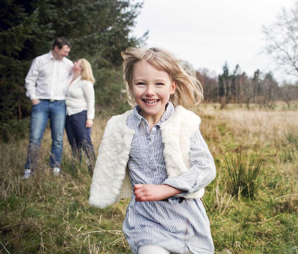 Familie Fotograf i Aarhus. Familiefotografeirng. Flotte Familiebilleder. Fotograf i esbjerg
